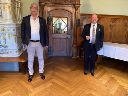 Präsident Tom Muggli mit Govenor Reto E. Fritz